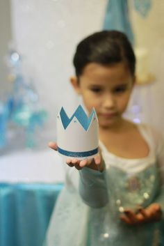 Frozen themed birthday party with Lots of Really Cute Ideas via Kara's Party Ideas Frozen Themed Birthday Party, 6th Birthday Parties, Frozen Party, Birthday Ideas, Kids Party Themes, Party Ideas, Rosalie, Happy Birthday Girls, Barbie Party