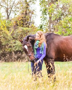 Senior horse picture Horse Senior Pictures, Pictures With Horses, Senior Girl Poses, Senior Girls, Senior Year, These Girls, Photo Ideas, Photography, Animals
