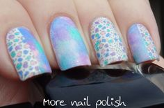 Pastel mottled sponge mani with mini leopard print