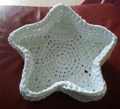 gehäkelter Stern aus Textilgarn