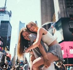 Image discovered by femme fatale. Find images and videos about summer, outfit and friends on We Heart It - the app to get lost in what you love. Best Friend Fotos, Go Best Friend, Best Friends Forever, Best Friend Pictures, Bff Pictures, Cute Friend Photos, Friend Pics, Spring Pictures, Nyc Pics