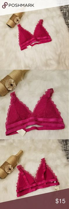 🌻🌺🌻NWT AEROPOSTALE LACE BRALETTE!! NWT AEROPOSTALE LACE BRALETTE!! Size small. New with tags. No flaws. Has padding and adjustable straps. Double strap in the back. Retails for $25.50. Posh Ambassador, buy with confidence! Check out my other items to bundle and save on shipping! Offers accepted. I ship same or next day! Aeropostale Intimates & Sleepwear Bras