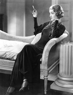 Constance Bennett with a divinely diva cigarette holder! http://stores.ebay.com/nycdiscountdiva/