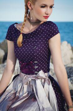 Dirndlkleid mit Grace-Ausschnitt von Ploom -- Inspiration for Rare Dirndl… German Costume, Dirndl Dress, Sweet Dress, Mode Outfits, Retro Fashion, Ski Fashion, Traditional Dresses, Beauty Women, Dress To Impress