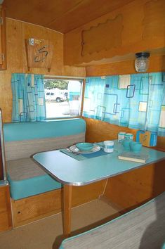 Bright And Cheerful Vintage Trailer Interior 46 Bright And Cheerful Vintage Trailer Interior Vintage Camper - tradingteam Camper Trailer For Sale, Vintage Campers Trailers, Vintage Caravans, Trailers For Sale, Camper Trailers, Vintage Motorhome, Vintage Airstream, Vintage Camper Interior, Trailer Interior