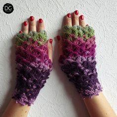 Handmade Fingerless Gloves Dragon Scales Mittens Womens gloves | Dragons Gloves