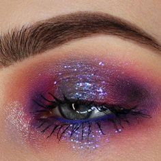 glitter eye makeup Glitter Eyeshadow using Urban Decay products: created this stunning look using: Urban Decay's Naked Cherry Eyeshadow Palette, Single Eye Shadows in Makeup Eye Looks, Eye Makeup Art, Cute Makeup, Makeup Inspo, Eyeshadow Makeup, Eyeshadow Palette, Makeup Ideas, Grunge Eye Makeup, Gem Makeup