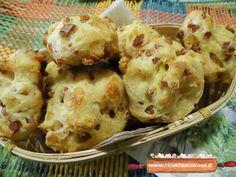 Bignè rustici   La ricetta per preparare la versione salata dei classici bignè!