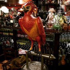 #binario9 #deathlyhallows #hermionegranger #jkrowling #potter #ronweasley #gryffindor #hp #dumbledore #deatheaters #harrystyles #harrypotter #pub #hamburger #hamburg #drink #beer #friends #happy #drink #instabeer #HashmeApp #instagood #beerme #drinklocal #party #food #picoftheday