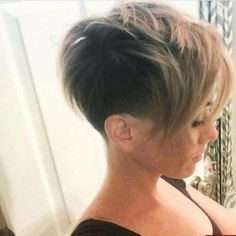 Discover these amazing pixie haircut ideas that will inspire you to try this amazing hairdo as soon as possible. Undercut Hairstyles, Pixie Hairstyles, Pixie Haircut, Cool Hairstyles, Long Undercut, Haircut Short, Blonde Pixie Cuts, Short Hair Cuts, Short Cuts