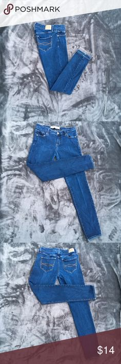 """Abercrombie & Fitch Skinny Jeans Abercrombie & Fitch perfect stretch skinny 4S jeans.  Waist 27"""" Length 29"""" Rise 7"""" Theses jeans are well loved and still have lots of life left. They are worn in crouch area a little. Please see photo #4.  Other than that no other issues  NO RETURNS  Fair Condition  No stains or snags Non smoking environment Not the right size ,color or style you're looking for check out Molly's closet  Thanks for Looking , Molly M962/W1 Abercrombie & Fitch Jeans Skinny"""