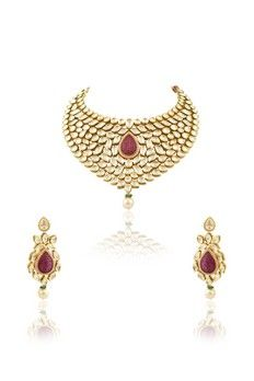 Vilandi set with ruby stones and pearls in invisible setting from #Benzer #Benzerworld #Jewelry