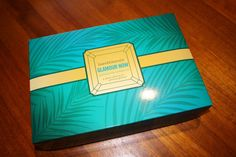 bareMinerals Glamour Now: Destination Gorgeous Review (2013 TSV Autodelivery) - http://mommysplurge.com/2014/05/bareminerals-glamour-now-destination-gorgeous-review-2013-tsv-autodelivery/