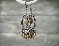 Boucles d'oreilles bohèmes, petites gouttes bronze : Boucles d'oreille par joaty