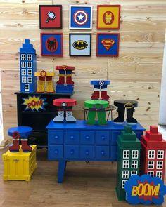 Festa super heróis Lego City Birthday, Avengers Birthday, Batman Birthday, Batman Party, Superhero Birthday Party, 4th Birthday Parties, Avengers Party Decorations, Birthday Party Decorations, Party Themes