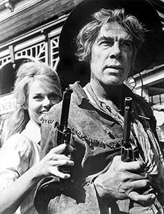 Jane Fonda & Lee Marvin on the set of their 1965 film, Cat Ballou. Cat Ballou, Jane Fonda, Old Movies, Great Movies, Old West, Classic Hollywood, Old Hollywood, Movie Stars, Movie Tv