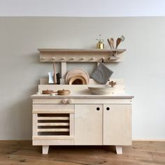 A round up of the cutest kids play kitchens #playkitchen kids play, area, ideas
