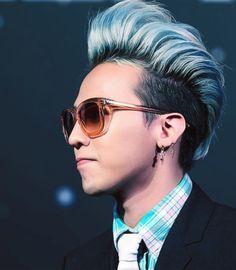 G-Dragon :) that hair