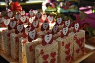 Rice Krispie Treats at a Alice in Wonderland Party #aliceinwonderland #treats