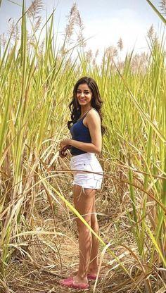 South Indian Actress Hot, Indian Bollywood Actress, Indian Actress Hot Pics, Bollywood Actress Hot Photos, Indian Actresses, Bollywood Outfits, Bollywood Girls, Most Beautiful Bollywood Actress, Beautiful Actresses