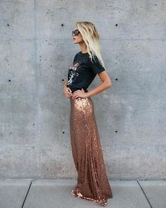 We love statement pieces and there's nothing that'll turn heads like our Moonglow Sequin Maxi Skirt! This gem is fully sequined to perfection in a fitted silhou Paillette Rock Outfit, Sequin Skirt Outfit, Maxi Skirt Outfits, Long Sequin Skirt, Sequin Maxi Skirts, Maxi Skirt Formal, Maxi Skirt Outfit Summer, Maxi Dresses, Look Fashion