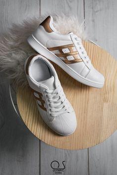 👉Κωδ:1313 👉19.99€ 🚛Δωρεάν έξοδα αποστολής 💲Δωρεάν η πρώτη αλλαγη  #ΟlympicStores #OSHOESgr #AutumnCollection #oshoesSUPEROFFER #GetEmAll #WOMANSTYLE #STYLESHOES #NEWSHOES #fashionweek #moda #autumn2018 Adidas Gazelle, Adidas Sneakers, Footwear, Free Shipping, Shoes, Fashion, Moda, Shoe, Shoes Outlet