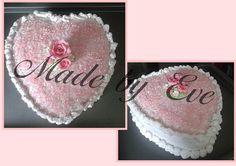 Gâteau cœur fourrage crème myrtilles pour la fête des mères
