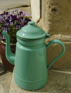 Vintage coffee pot by letsbevintage on Etsy, $39.99