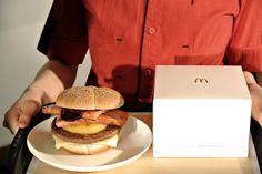 McDonald's Get Classy with Gourmet Truffle Burger Truffle Burger, Luxury Blog, Mcdonalds, Truffles, Hamburger, Classy, Ethnic Recipes, Food, Gourmet