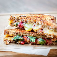 gahhh! strawberry basil and grilled cheese sandwich