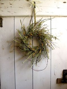 Wreath - Farmhouse Style - Sweet Annie Wreath - Autumn Wreath - Dried Flower Decor - Fragrant Wreath