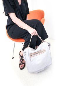 #milano#bags#leather#white#minimalmood#minimaldesign#fashionable#fashionista#minimalpeople#minimalism#design#fashiondesigner#magazine#editor#fashioneditor#photographer#minimal#zonatortona#black&white#minimalove#minimalism#glamour#trend#milanodavedere#moda#woman#lifestyleblogger#fashionblogger#fashionphotography by workshopmilano