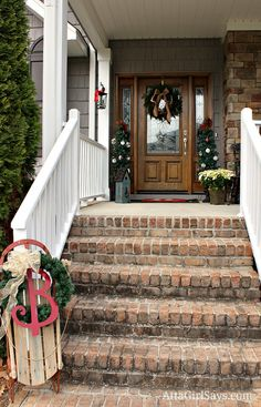 All the best and never seen before front porch Christmas decorations! The ultimate list of front porch Christmas decor combined just for you! Christmas Sled, All Things Christmas, Christmas Ideas, Green Christmas, Primitive Christmas, Country Christmas, Holiday Ideas, Christmas Crafts, Home Design