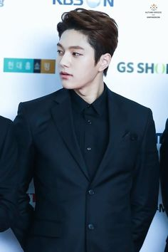 Infinite looking extra fine at Korean Cable TV Awards (red carpet + videos ) Korean Men, Korean Actors, L Infinite, Kim Myung Soo, Tv Awards, Myungsoo, Kdrama Actors, Gentleman Style, Vixx