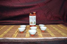 7 Piece Set Kutani Sake Set, Whistling Bird Gold Trim Hexagon Bottle w/ 6 Cups