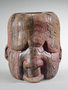 Récipient céphalomorphe<br>Culture Olmèque<br>Mexique<br>Préclassique, 900-600 av. J.-C. | Lot | Sotheby's