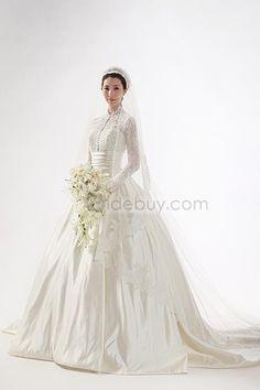 Aラインハイネック長袖ロングフロアチャペルトレーンマットサテンウェディングドレス