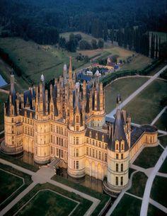 Chateau de Chambord in Loire-et-Cher in France Beautiful Castles, Beautiful Buildings, Places Around The World, Around The Worlds, Chambord Castle, Normandie France, Francis I, Villa, Paris France