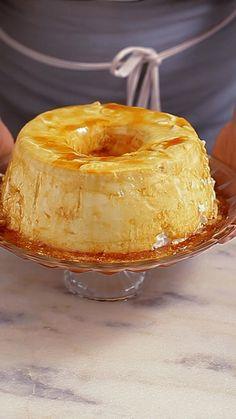 Você já comeu pudim de claras? Essa receita é fácil, deliciosa e fica com uma textura incrível.