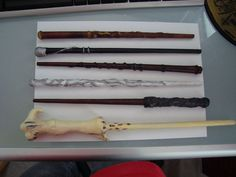 Make an awesome Harry Potter wand from a sheet of paper and glue gun glue