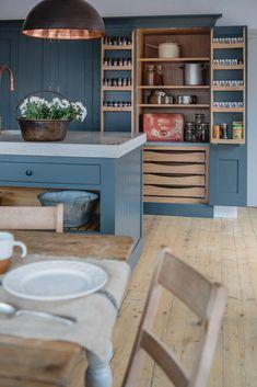 Handmade Bespoke Kitchens in Classic English and Shaker Kitchen Styles. Shaker Style Kitchen Cabinets, Kitchen Larder, Shaker Style Kitchens, Kitchen Cabinet Styles, Painting Kitchen Cabinets, New Kitchen, Kitchen Storage, Home Kitchens, Kitchen Decor