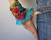 freeform crochet cuff bracelet with von irregularexpressions