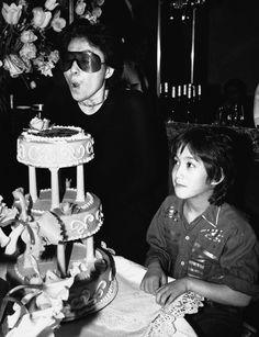 Yoko Ono and Sean Lennon John Lennon Yoko Ono, Julian Lennon, John Lennon Beatles, The Beatles, Step Kids, A Day In Life, Daniel Radcliffe, Look In The Mirror, Not Good Enough