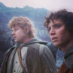 Like and Share if you have been fan since day 1        #BilboBaggins #lordoftherings #LOTR #thehobbit #hobbit #Tolkien #frodo