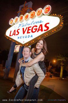 Las Vegas Strip Photo Tour - Vegas Sign- Las Vegas Engagement Photos #lasvegasstripphotosession #vegasstrip #Engagementphotoslasvegas