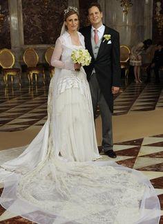 Prinzessin Sophie trägt bei ihrer Hochzeit mit Georg Friedrich Prinz von Preußen ein Kleid von Modedesigner Wolfgang Joop.