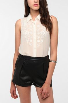 Reformed By The Reformation Maureen Sleeveless Blouse  #UrbanOutfitters