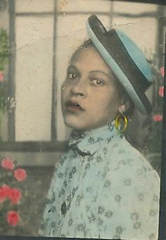 Black Archive : found Vintage Hand Tinted portrait of African American woman