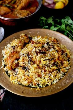 Hyderabadi chicken biryani recipe, the best authentic biryani better than restaurant-style biryani. How to make chicken biryani dum style, easy,step by step Aloo Recipes, Rice Recipes, Indian Food Recipes, Vegetarian Recipes, Recipies, Fresh Coriander, Coriander Seeds, Tomato Rasam, Dum Biryani