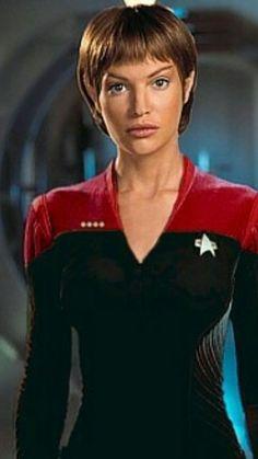 Jolene Blalock as T'Pol in Star Trek Enterprise- Man, now I know why I favor Vulcans. Star Trek Starships, Star Trek Enterprise, Star Trek Voyager, Star Trek 1, Star Trek Cast, Star Trek Original Series, Star Trek Series, Jolene Blalock, Star Trek Uniforms